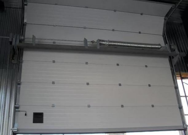 Подъёмно-гильотинные гаражные ворота